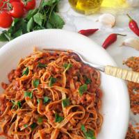 Tagliatelle con ragù di lenticchie