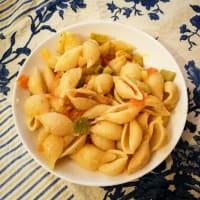 Pasta con zucchine e pomodoro