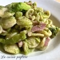 Orecchiette con brócoli rabe y panceta
