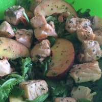 ensalada de melocotón y salmón
