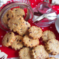 Wholemeal Cookies With Chocolate Drops (without butter)