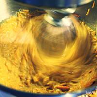 Pastel de zanahoria y nuez con glaseado vegano paso 2