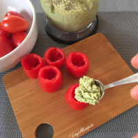 Tomatoes With Green Cream step 5