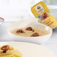 Crema de cannellini con anchoas en salsa picante