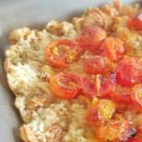 Focaccia di pane raffermo con pomodorini step 5