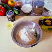Empanadas con verduras mixtas y cremosos garbanzos negros y hojas de laurel paso 1