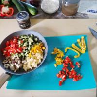 Empanadas con verduras mixtas y cremosos garbanzos negros y hojas de laurel paso 4