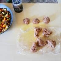 Empanadas con verduras mixtas y cremosos garbanzos negros y hojas de laurel paso 5