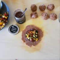 Empanadas con verduras mixtas y cremosos garbanzos negros y hojas de laurel paso 6
