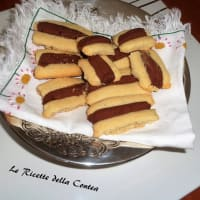 Biscuits with rice flour and cocoa