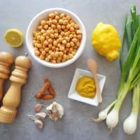 Hummus con cebollas de primavera paso 1