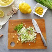 Hummus con cebollas de primavera paso 3