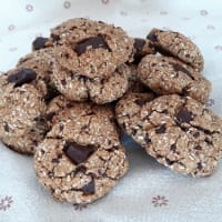Galletas con copos de avena, coco y chocolate