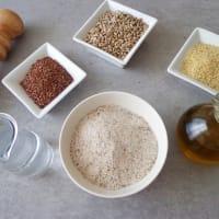 Galletas de semillas y harina de trigo sarraceno, sin gluten. paso 1