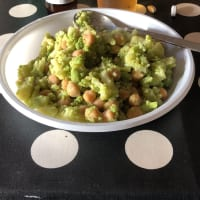 Chickpeas and Romanesco broccoli
