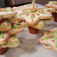 Árbol de navidad con galletas decoradas paso 9
