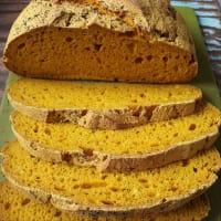 Pane senza glutine con curcuma e semi di papavero