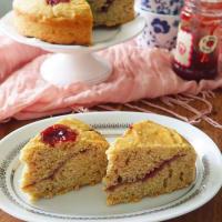 Lemon cake and raspberry jam
