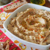 Hummus of cannellini beans and cauliflower