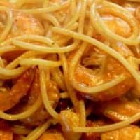 Curry de pasta y langostinos