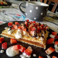 Vanilla Crepespancake with skyr and strawberries