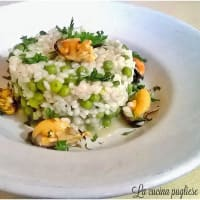 Risotto with mussels and peas