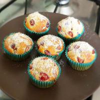 Muffin alle ciliegie leggeri e primaverili