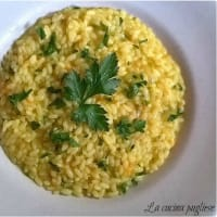 Risotto with zucchini flowers and saffron
