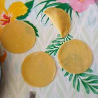Mezzelune ripiene di robiola al tartufo e zucca saltate allo speck step 4