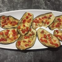 Tricolor aubergines cooked in the oven