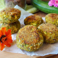 Mushroom and zucchini balls with parsley