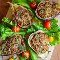 Stuffed eggplant with tempeh