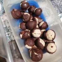 Tartufini rápido de avena, coco y chocolate