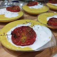 Crema de maíz, burrata y tomates cherry confitados