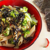 Pasta and broccoli with nori seaweed
