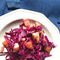 Purple salad with winter flavors