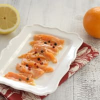 Salmon with citrus fruit in pomegranate sauce