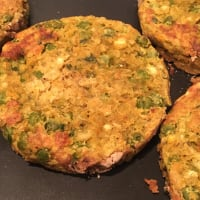 Vegan burgers with chickpeas and vegetables