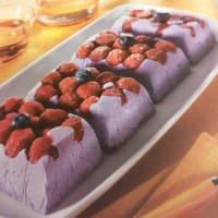 Semifreddo with blueberries and raspberries