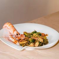 Paccheri con Scampi, Salmone, Pomodori e Broccoli
