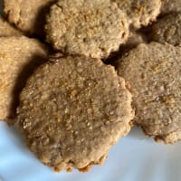 Wholemeal cinnamon biscuits