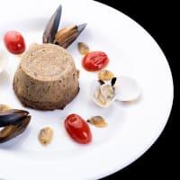 Flan de champiñones con mejillón y almejas