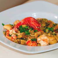 Legume Pasta With Red Shrimps, Zucchini And Carrots