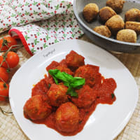Meatballs with vegan sauce