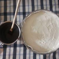 Tarta de queso con glaseado de chocolate y bayas paso 5