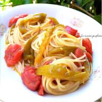 Espaguetis con pimientos friggitelli