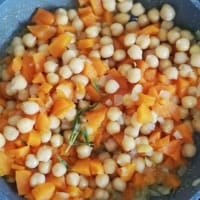Pumpkin and chickpea sauce for pasta or risotto
