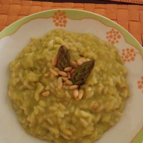 Risotto with asparagus cream and apples
