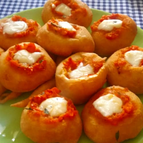 Fried pizzas