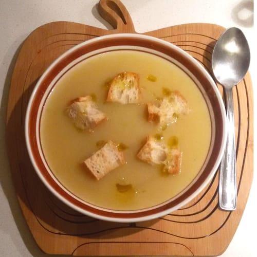 Sopa de puerros y patatas